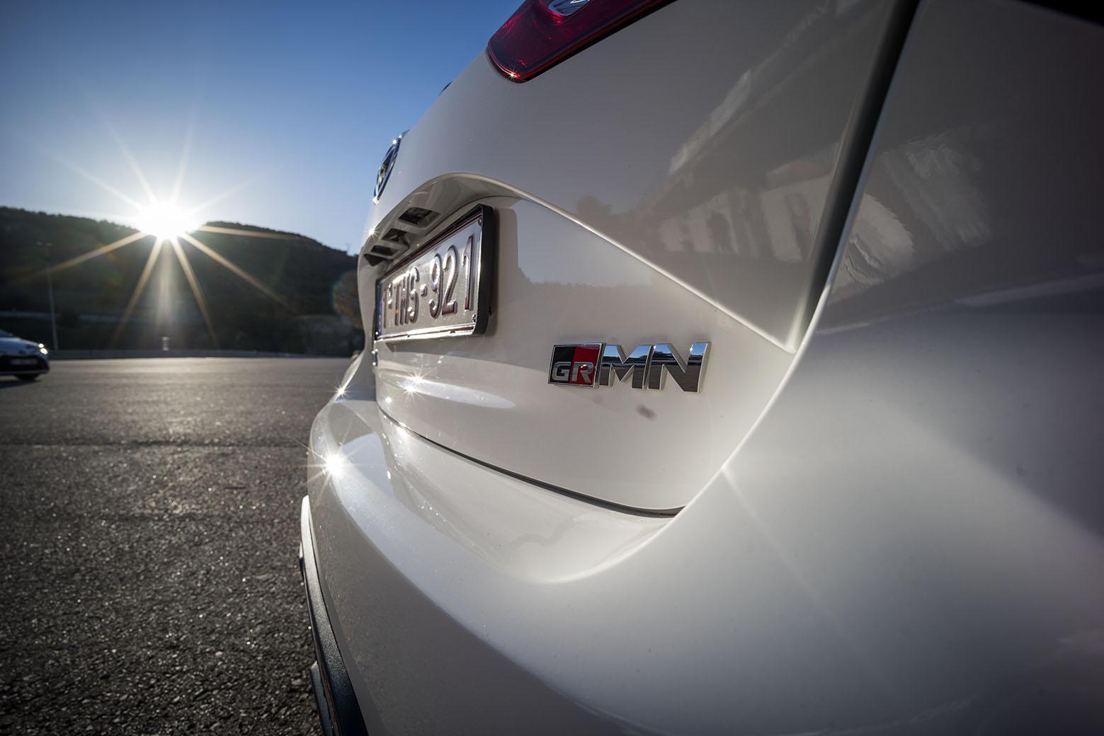 Visst kan man ha kul på landsväg med, men varför ens utsätta sig själv och andra för risken. Toyota Yaris GRMN behöver en racerbana för att sträcka ut.