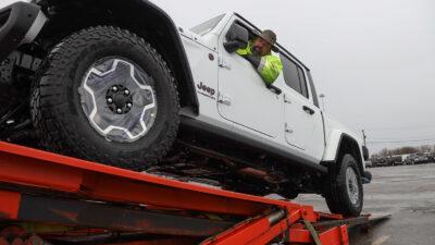 Permalänk till:Jeep Gladiator rullar ut